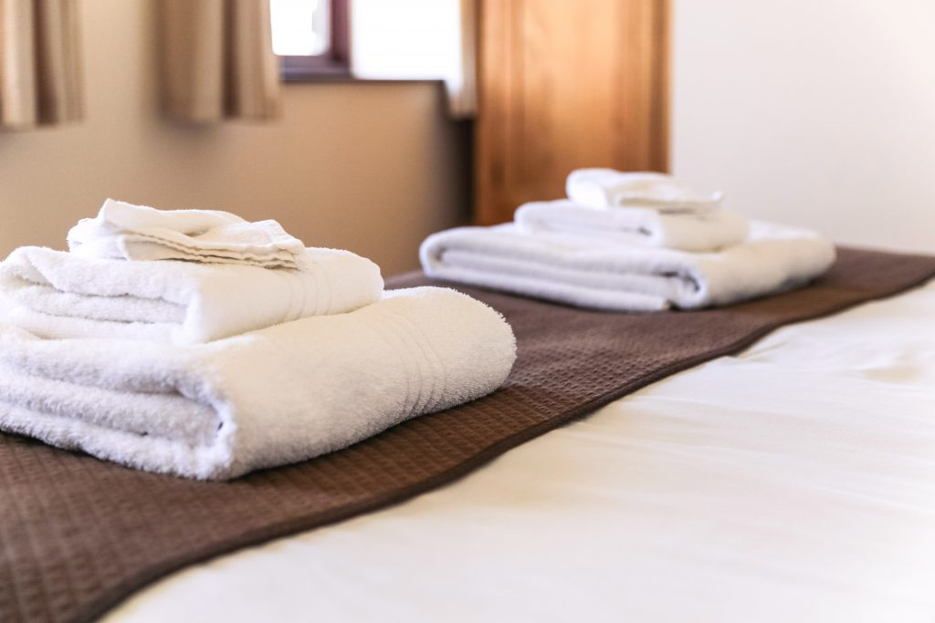 Hotel Bed & Towels Bowood